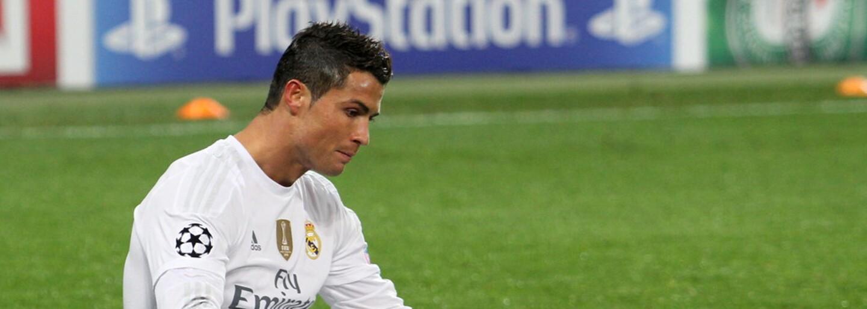 Cristiana Ronalda nepoznal člen ochranky na stadionu v Budapešti. Musel mu ukázat identifikaci, aby ho pustil dál