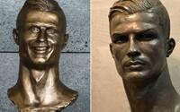 Cristiano Ronaldo dostal novou bustu. Ta už se hvězdě Realu Madrid podobá daleko více než předchozí zmetek