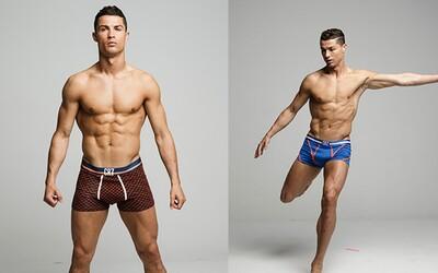 Cristiano Ronaldo propaguje svoju spodnú bielizeň na neretušovaných fotografiách, na ktorých svetu hrdo ukazuje vypracované telo