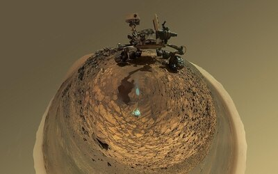 Curiosity posiela z Marsu selfie ako dôkaz o dávnej prítomnosti vody na planéte
