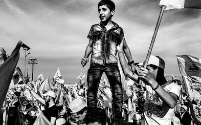 Czech Press Photo vyhrál snímek s názvem Hizballáh, oslavy vítězství nad Izraelem. Na oceněných fotografiích se objevil i prezident Zeman