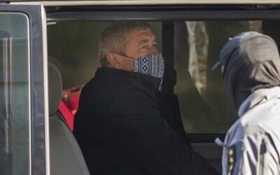 Súd začne rozhodovať o väzbe pre špeciálneho prokurátora Dušana Kováčika v nedeľu predpoludním.