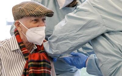 Za první den se k očkování zaregistrovalo 200 tisíc lidí nad 70 let, avšak termín získalo jen minimum z nich.