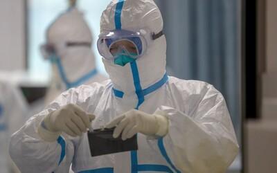 Denní nárůst nakažených: V Česku přibylo 442 případů, v nemocnicích je 171 osob s covidem-19.