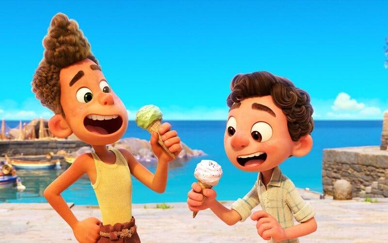 Luca je pixarovský animák odehrávající se na slunné italské pláži. V krásném traileru se hlavní hrdina mění ve vodní bytost.