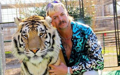 Netflix oznamuje 2. sérii Tiger Kinga. Uvidíme ji už koncem roku, z vězení se v ní objeví i Joe Exotic.