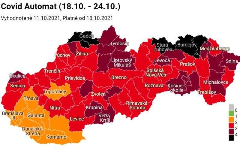 Covid automat: Slovensko má už 5 čiernych okresov. Očkovaní sa tam nedostanú do reštaurácie ani do fitnescentra.