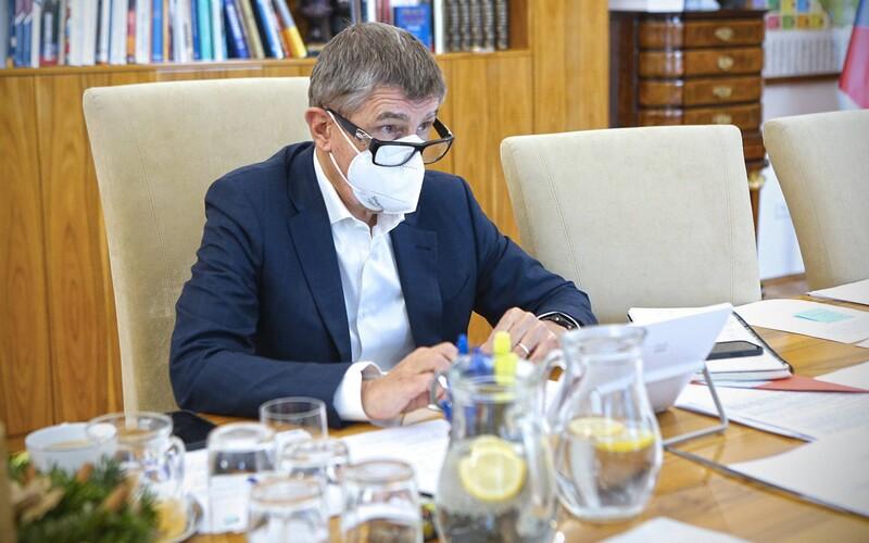 iDnes.cz za předplatné nabízí přednostní operace v Babišových klinikách, podle právníka je to nelegální.