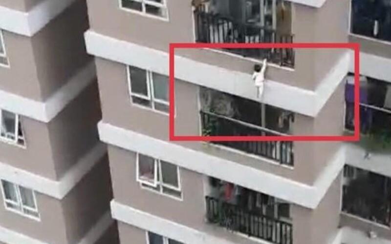 Video: 2-ročné dievčatko prežilo pád z 12. poschodia. Život mu zachránil okoloidúci šofér dodávky.