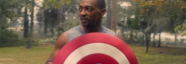 Marvel otevřeně řeší rasismus. USA nechtějí černého Captaina Americu a Falcon to chce změnit