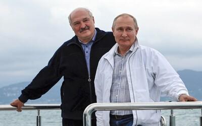 """Byl by Putin schopen unést letadlo jako Lukašenko? """"Neřeknu,"""" odvětil s úsměvem."""