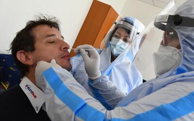 Raiffeisenbank a Česká spořitelna pomáhají v boji s pandemií. Zapojí svá call centra do systému trasování