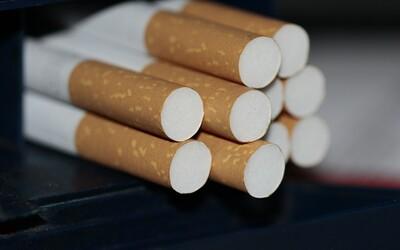 Cigarety na Slovensku poriadne zdražejú. Fajčiari si priplatia viac, ako sa pôvodne plánovalo.