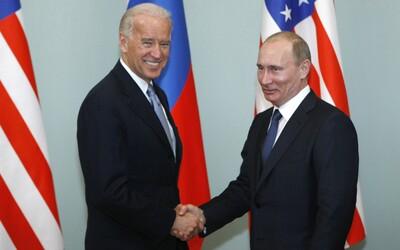 Putin chce s Bidenom nadviazať dialóg. Prednedávnom pritom tvrdil, že vzťahy medzi USA a Ruskom nikdy neboli také zlé ako dnes.