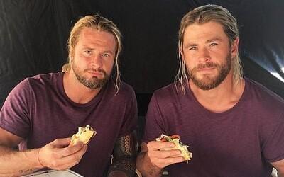 Dablér Chrise Hemswortha nestíhá dohánět jeho formu. Thor je velký, jako nikdy předtím