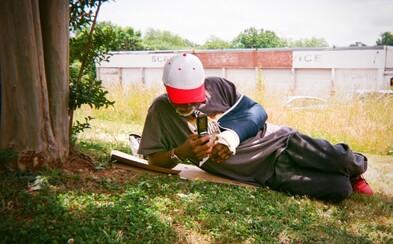 Dali do rúk fotoaparáty bezdomovcom, aby o ich životoch zistili viac. Výsledné zábery ich potešili aj prekvapili