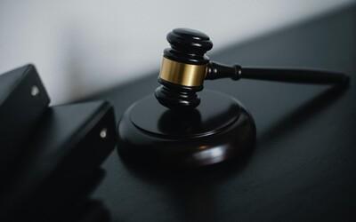 Další fiasko ministerstva zdravotnictví. Soud zrušil povinnost podstoupit před návratem do Česka test na covid