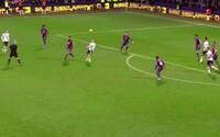 Ďalší kandidát na gól roka. 19-ročný Dele Alli z Tottenhamu strelil jeden z najkrajších gólov histórie Premier League