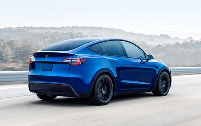 Další nespokojený zákazník poukazuje na katastrofální kvalitu zpracování značky Tesla