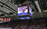 Ďalšia žiadosť o ruku, tentokrát sa zápas Slovenska s Ruskom niesol na romantickej vlne, aj keď sme prehrali