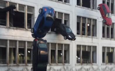 Ďalšie šialené video z natáčania potvrdzuje, že Rýchlo a zbesilo 8 bude plné praktických efektov a akčných scén