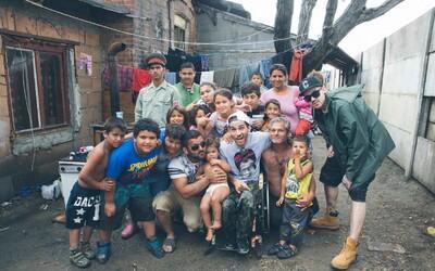 Dame a Bekim predstavujú spoločný singel aj s videoklipom, v ktorom navštívili rómsku osadu na Fiate Multipla
