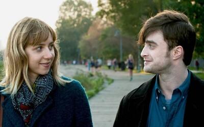 Daniel Radcliffe a Zoe Kazan září v originální romantické komedii, která tě chytí za srdce