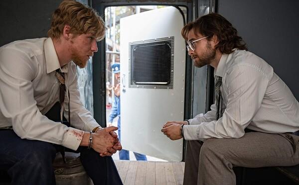 Daniel Radcliffe jako aktivista, kterého uvěznili v Jižní Africe. Sleduj trailer k filmu Escape from Pretoria