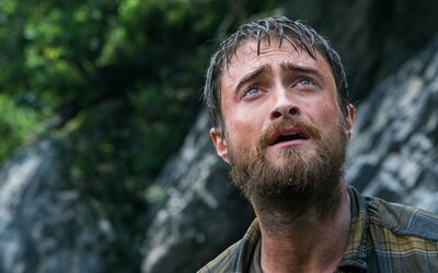 Daniel Radcliffe bojuje v drsnom survival thrilleri o prežitie uprostred nekonečného Amazonského pralesa