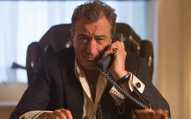 Dannyho jedenástka skrížená s Nebezpečnou rýchlosťou, taký je nový film s Robertom De Nirom