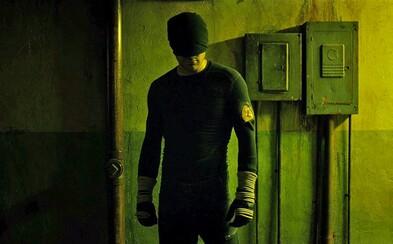 Daredevil konečne prekračuje hranicu jemných komiksoviek, pričom vás posadí na zadok (Recenzia)