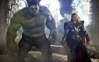 Daredevil vnadí prvým teaserom 2. série, zatiaľ čo Hulk letí do vesmíru pomôcť Thorovi v jeho filme