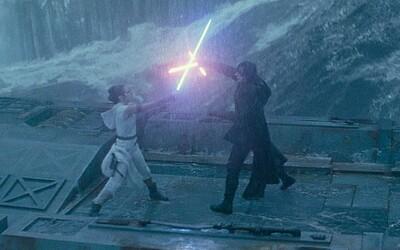 Darth Sidious divákov láka na poslednú časť ságy rodu Anakina Skywalkera