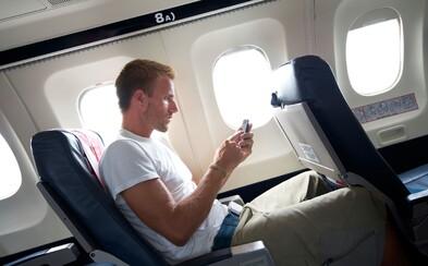 Dávať si počas letu smartfón do letového režimu má svoje opodstatnenie. Čo sa stane, keď tak nespravíš?