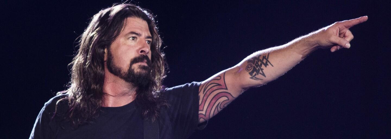Dave Grohl sa vyjadril k absurdnej žalobe na bývalých členov Nirvany. Spor sa týka obalu s holým chlapcom
