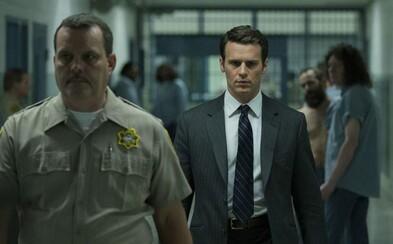 David Fincher a jeho seriál Mindhunter sa vďaka plnohodnotnému traileru pokúša dostať do hláv nebezpečných psychopatov či sériových vrahov