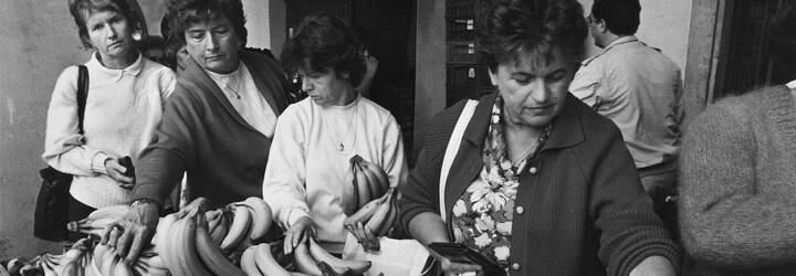 Češi vzpomínají na socialismus: Dědovi zbourali kostel před očima. O telefon jsme žádali v roce 1977, připojili nás 1989