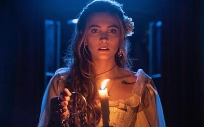 Dcera Michaela Jacksona Paris ve filmu ztvárnila Ježíše. Nyní rozjíždí hudební kariéru, vydala debutovou píseň