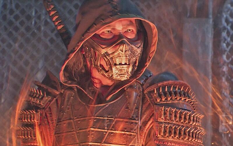 7 minút z filmu Mortal Kombat: Odrezané končatiny, prebodnuté hlavy a zlomené väzy.