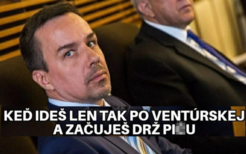 """""""Zavri si pi*u a zahoď to,"""" rýchlo zľudovelo. Slováci sa na policajnom zásahu výborne zabávajú vtipnými memes."""
