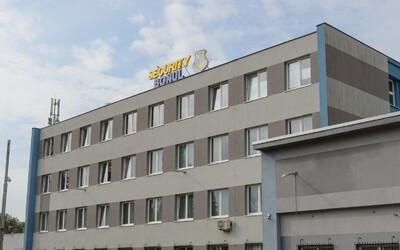 NAKA zasahuje v sídle Bödörovcov aj štátnom podniku. Má ísť o predražený nákup Pellegriniho vlády za 37 miliónov.