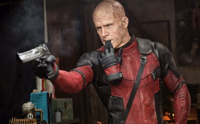 Deadpool opäť vyčíňa! Tentokrát nielen v nových záberoch, ale aj na Twitteri