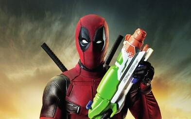 Deadpool si zase púšťa ústa na špacír v nových záberoch a úžasných obrázkoch