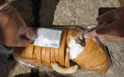 Dealer schoval 50 gramů pervitinu do pečiva
