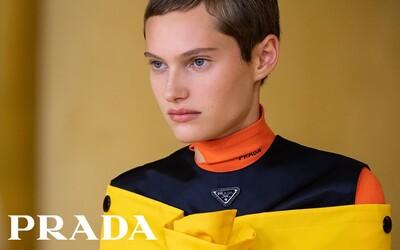 Debutová kolekcia Rafa Simonsa pre značku Prada je ódou na ženskosť v jeho typickom rukopise