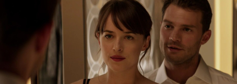 Debutový trailer pro Padesát odstínů temnoty je plný vášně, sexu a napětí