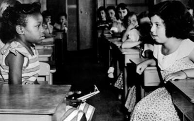Dejiny rasizmu: Od ospravedlňovania otrokárstva až po genocídu národov