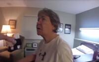Demencia je tvrdou skúškou aj pre rodinu chorého. Syn po prvýkrát zažil moment, kedy ho jeho chorá matka nespoznala