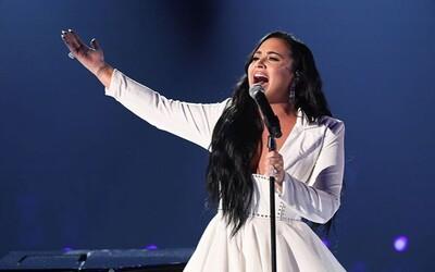 Demi Lovato vystúpila prvýkrát naživo, odkedy sa predávkovala v roku 2018