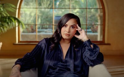 Demi Lovato znásilnil dealer heroinu krátce předtím, než ji po předávkování nechal téměř umřít